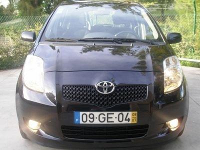 usado Toyota Yaris 1.4DiD Rock in Rio Gps e Livro Revisões
