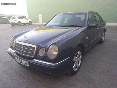 usado Mercedes E200 elegance 75EURP/MES