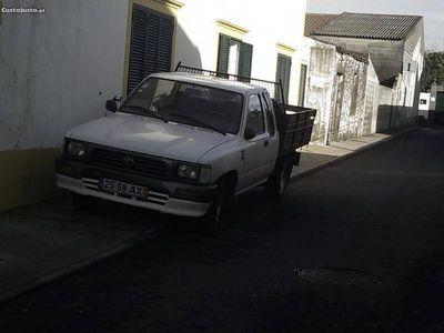 usado Toyota HiLux Passagens -