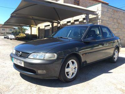 usado Opel Vectra 1.7 TD Sport 82 CV motor Isuzu