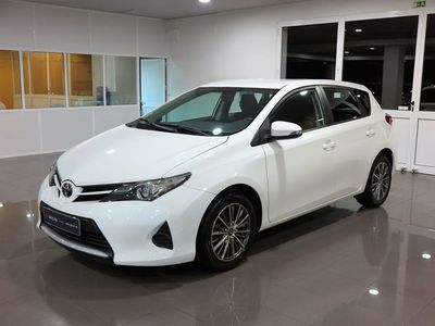 usado Toyota Auris 1.4 D4D Confort