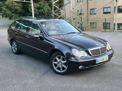 usado Mercedes C220 CDI Elegance Livro Revisões