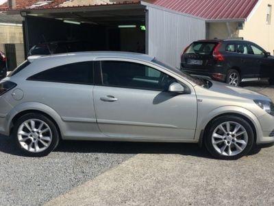 usado Opel Astra GTC 1.9 cdti