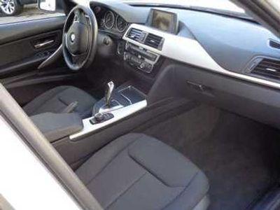 usado BMW 318 Série 3 d Touring Auto Exclusive
