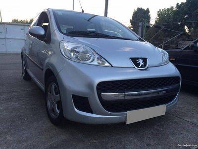 usado Peugeot 107 Black & Silver -