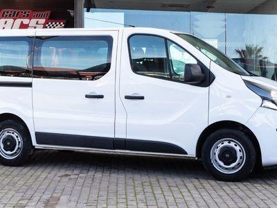 usado Opel Vivaro 1.6 CDTi Biturbo 9L