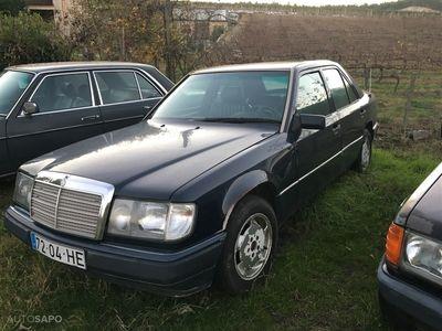 usado Mercedes E200 (122cv) (4p)