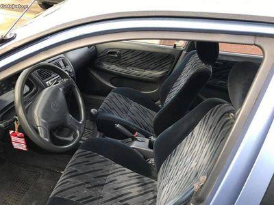 usado Toyota Corolla 1.3 XLI 5 PORTAS -