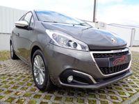 usado Peugeot 208 SIGNATURE