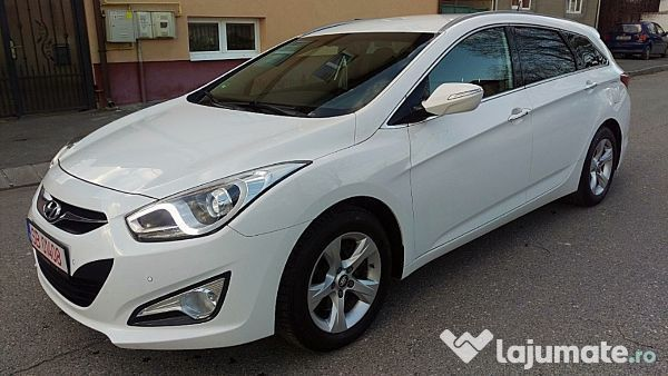 second hand 2012 hyundai i40 1 7 diesel sibiu autouncle. Black Bedroom Furniture Sets. Home Design Ideas