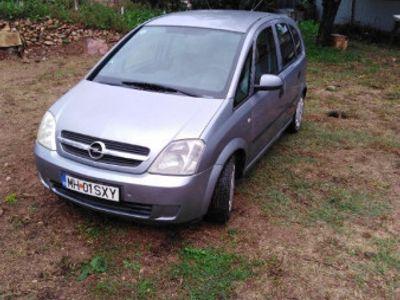 second-hand Opel Meriva 16 benzina cu ac