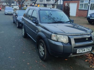 second-hand Land Rover Freelander mașina se afla in romania