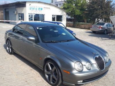 second-hand Jaguar S-Type 4.2 benzina