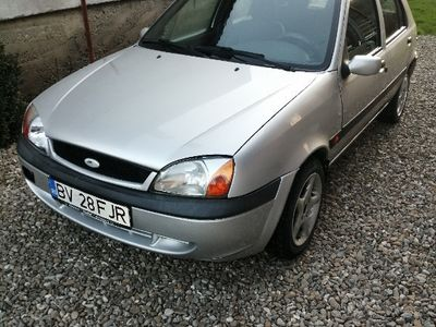 second-hand Ford Fiesta benzina 1.3 din 2001