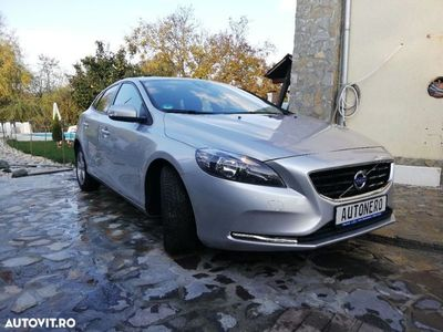second-hand Volvo V40 D2