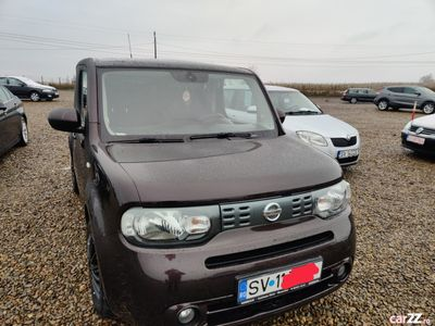 second-hand Nissan Cube 2010