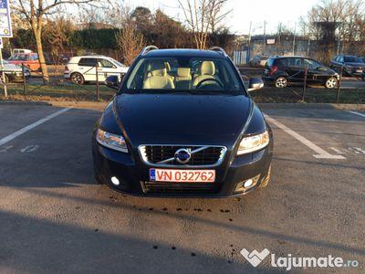 second-hand Volvo V50 cu navigatie si xenon