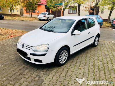 second-hand VW Golf V 2.0 Diesel adus acum