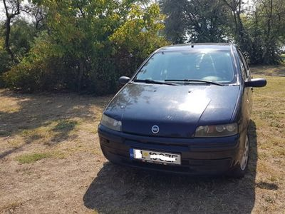 second-hand Fiat Punto din 2002 benzina