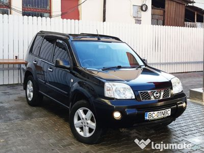 second-hand Nissan X-Trail 4 x 4 / panoramic / 2.2 dci / 2005 !
