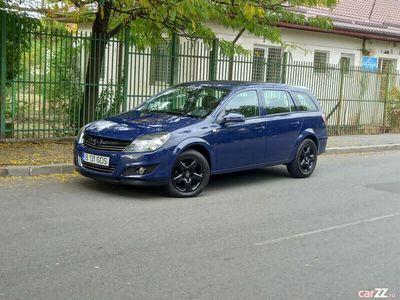 second-hand Opel Astra 1.6 benzina an 2013 164000km