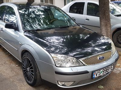 second-hand Ford Mondeo model deosebit