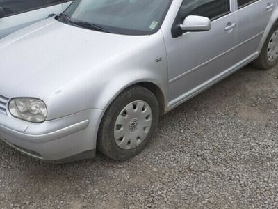 second-hand VW Golf 1.6