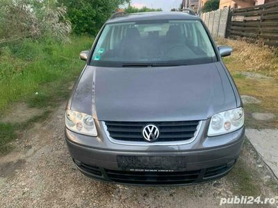 second-hand VW Touran 2.0 TDI