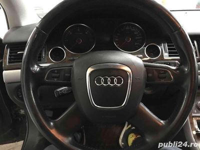 second-hand Audi A8 D3 facelift cu probleme motor