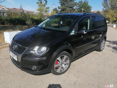 second-hand VW Touran Cross 2008