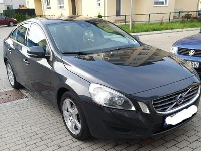 second-hand Volvo S60 an2011, motor 2.0 ,163 CP, euro 5, model Momentum.