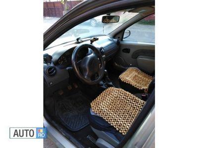 second-hand Dacia Logan Benzina si GPL