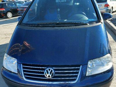 second-hand VW Sharan 2005 benzină
