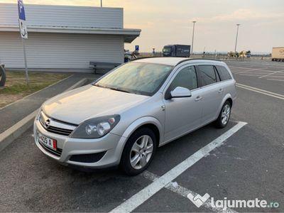 second-hand Opel Astra 1.7cdti 110 Cp 2011 6 viteze consum 4.3