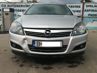 second-hand Opel Astra 2011 - 64000 km, 116 CP, Euro 5