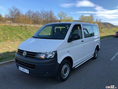 second-hand VW Transporter T5 8+1 locuri 2.0 Tdi Euro 5 7 499 €