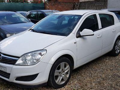 second-hand Opel Astra din 2010 1.3cdti cu clima