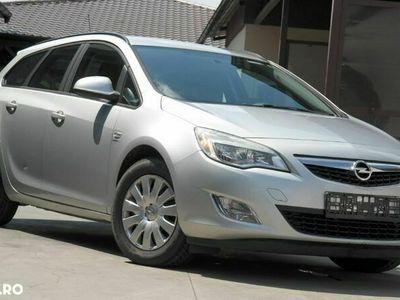 second-hand Opel Astra Caravan - an 2013, 1.7 Cdti (Diesel)