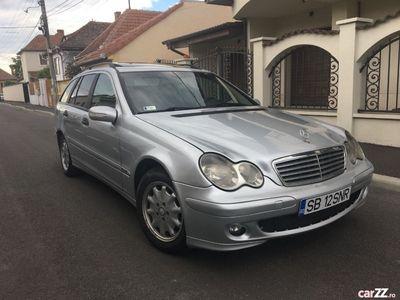 second-hand Mercedes C220 diesel variante înmatriculată recent