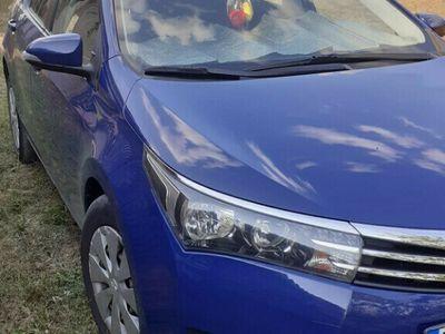 "second-hand Toyota Corolla ""Luna"" 2015"