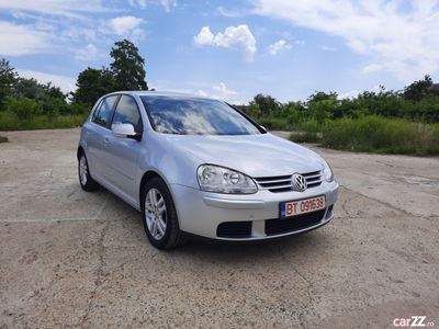 second-hand VW Golf V Tour Motor 1.9 Tdi An.05.2007 Euro 4 Impecabil