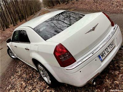 second-hand Chrysler 300C an 2007,231 cp,inm RO,fiscal