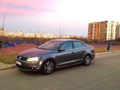 second-hand VW Jetta highline, 2012, 1,6 tdi, full option, piele, navigatie