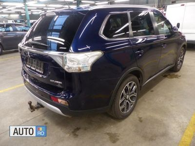 second-hand Mitsubishi Outlander 2.2 DI-D 4WD INSTYLE