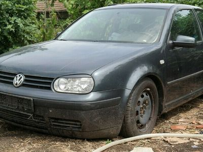 second-hand VW Golf IV - an 2001, 1.6 (Benzina)