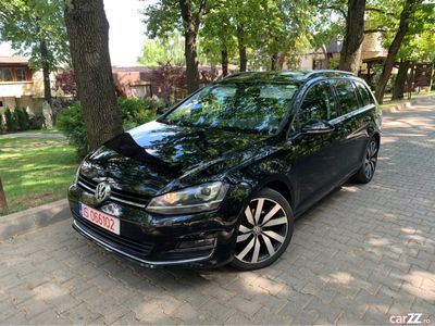 second-hand VW Golf VII - Highline -Bixenon/Panoramic/ACC/