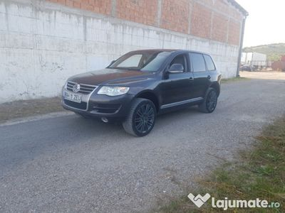second-hand VW Touareg Facelift 3.0 V6 Manual Impecabil