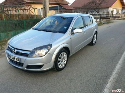 second-hand Opel Astra impecabil diesel 1.7 euro 4 model cosmo