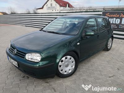 second-hand VW Golf IV benzină 1.6 16V an 2001 Euro 4