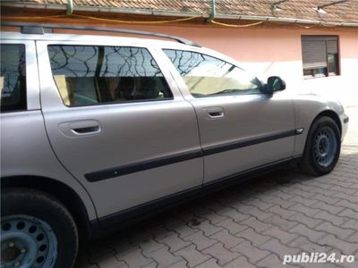 second-hand Volvo V70